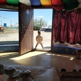 Pinkelt der uns vors Zelt!